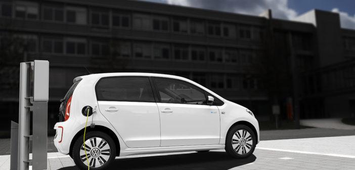 Fakt budeme za pár let jezdit především v elektrických autech?